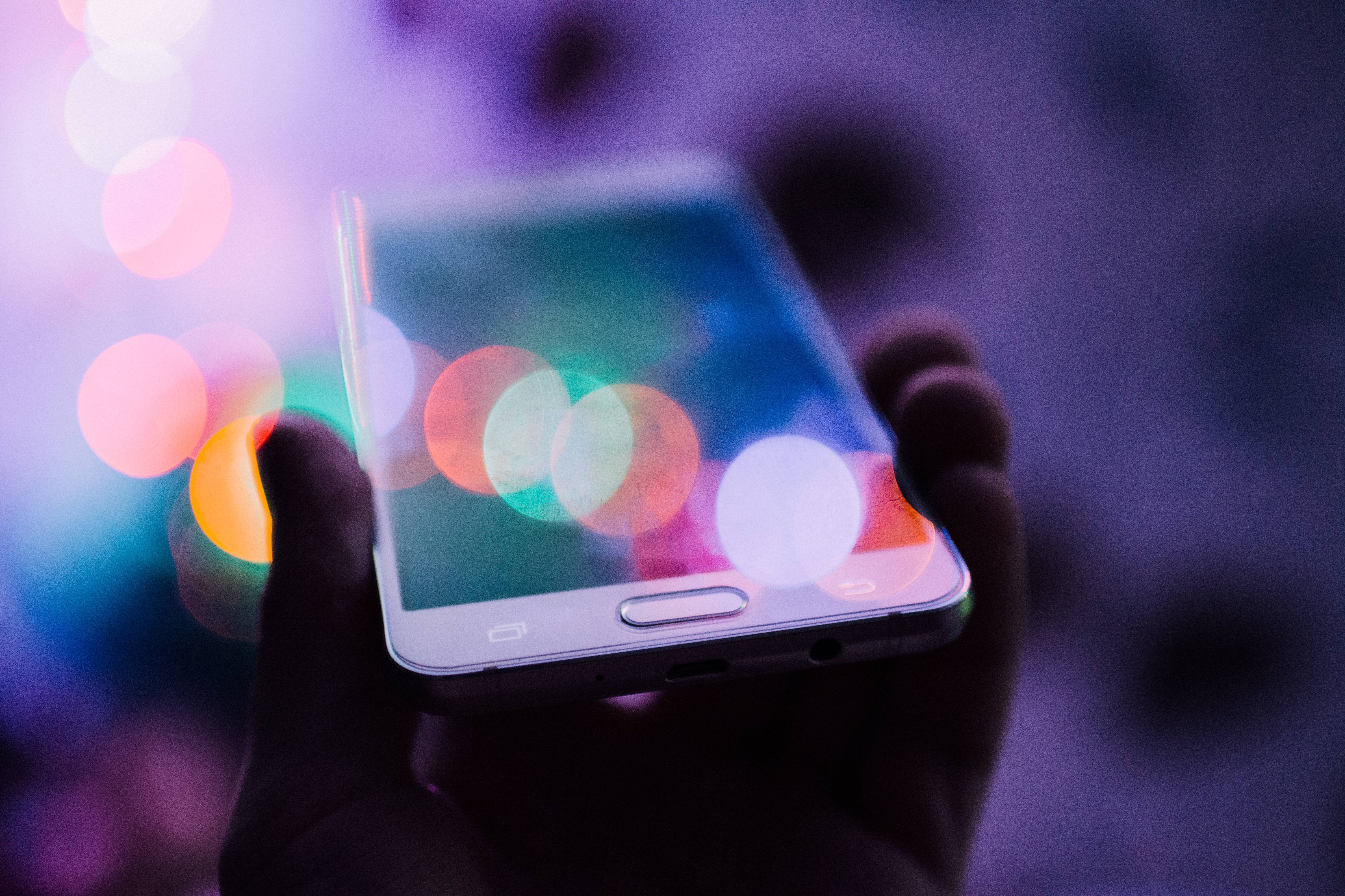 5 Ways HR Can Harness the Power of SMS